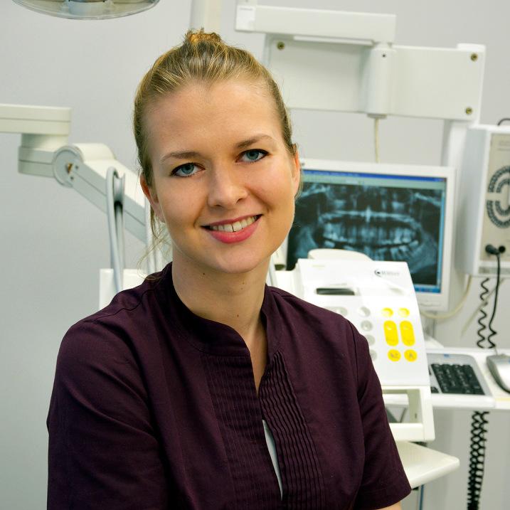 Dr Dominika Dymalska